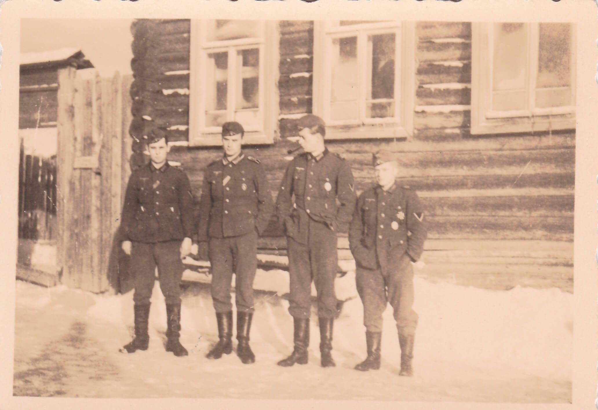 Gedecoreerde Wehrmacht soldaten uniform Oostfront wo2