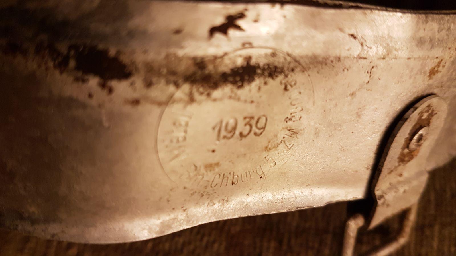 Binnenwerk Duitse helm 1939 metaaldetector vondst Metall-Lederverarbeitung W.Z. Bln Ch'burg 5