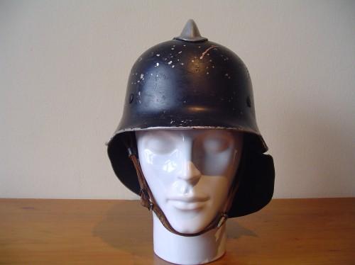 Duitse helm brandweer uit de Tweede wereldoorlog