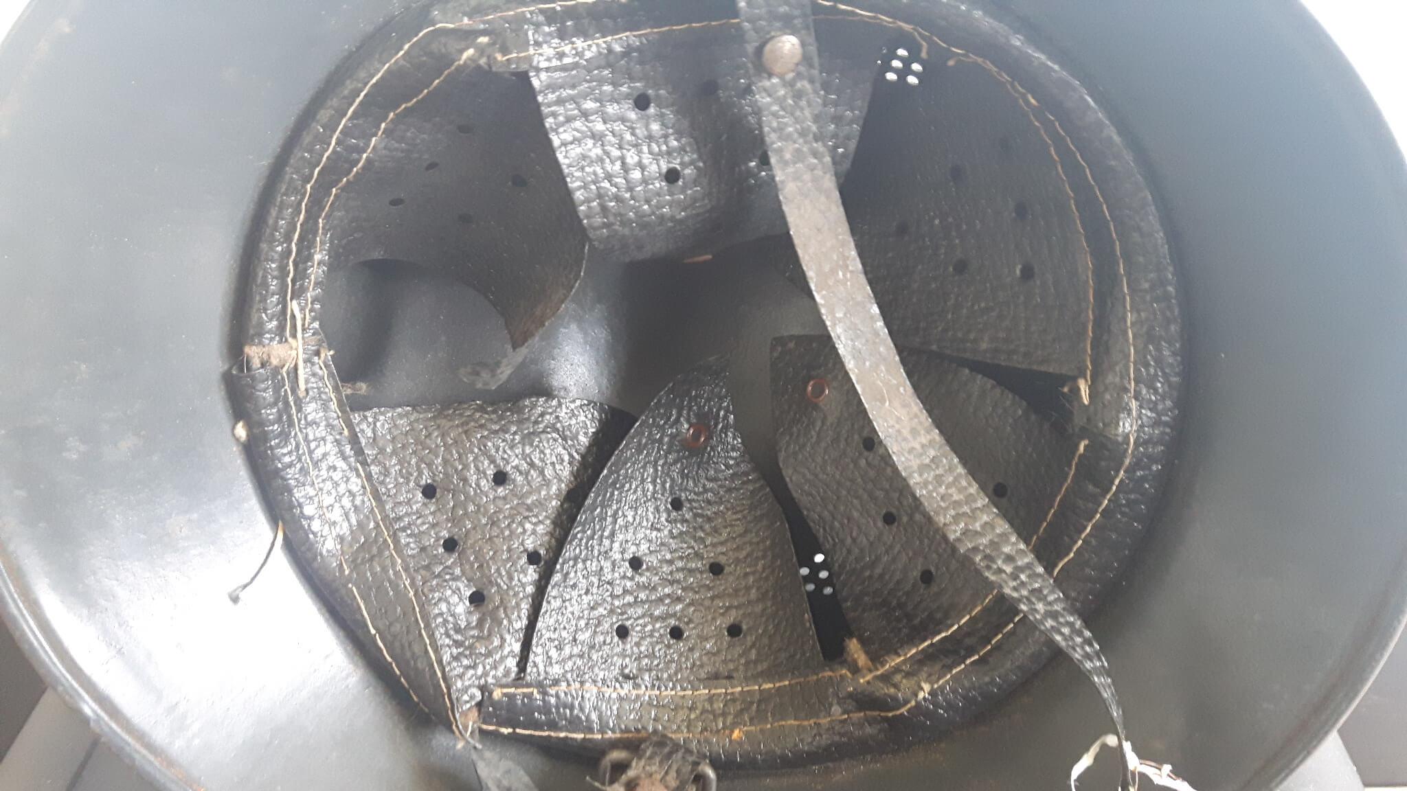 Tsjechische Duitse helm M29