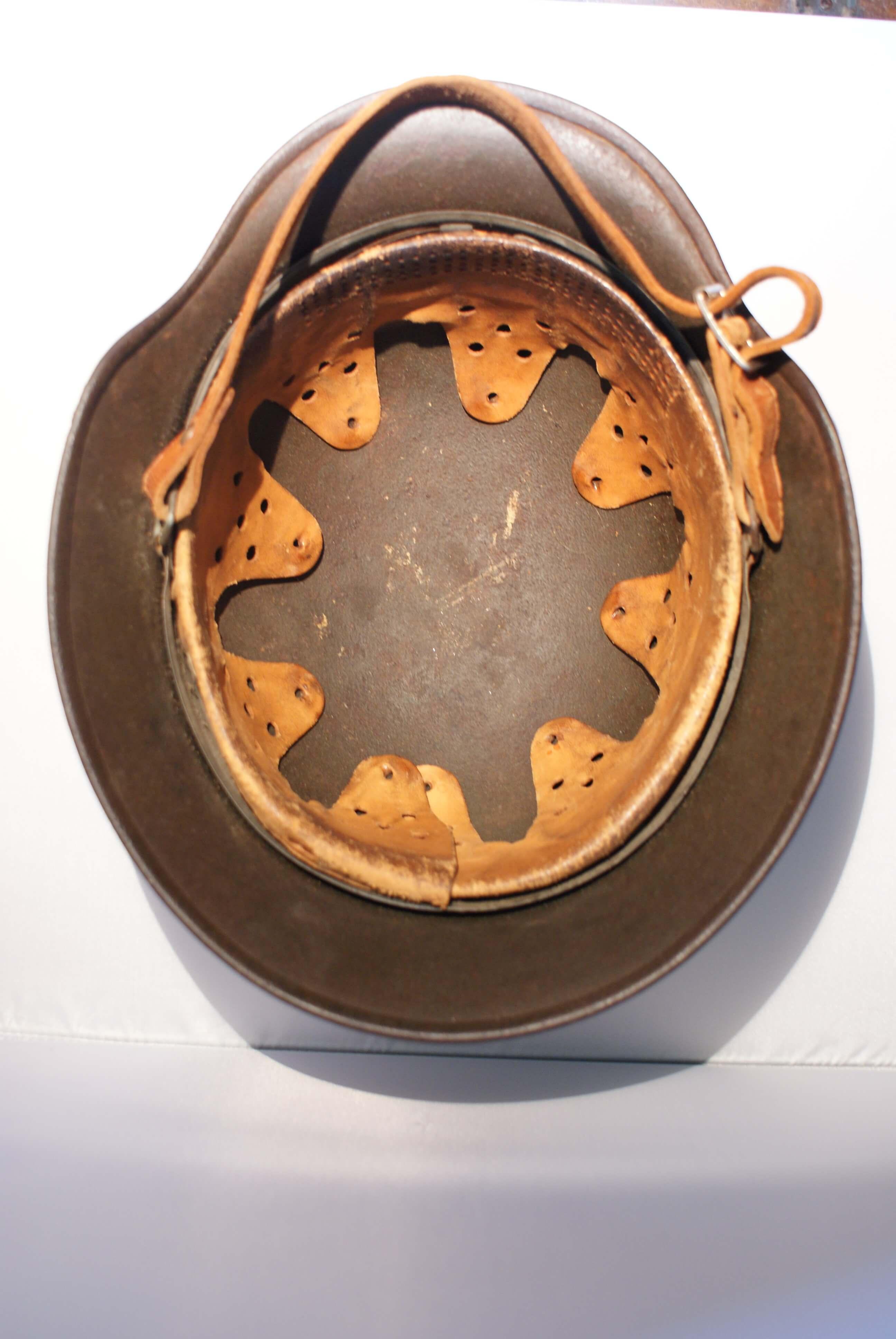 binnenwerk Duitse helm wo2 de tweede wereldoorlog