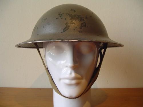 Engelse helm uit de tweede wereldoorlog uit 1943