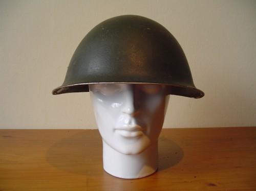 Engelse helm Mark 3 uit de Tweede wereldoorlog  wo2 ww2