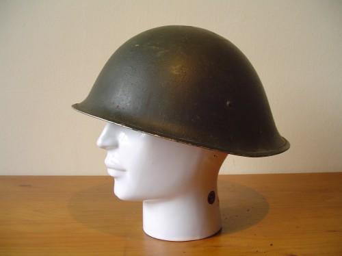 Engelse helm Mark 3 uit de Tweede wereldoorlog  wo2 ww2 britse helm