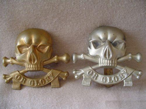 Wo2 Insignes embleekm van Britse cavellerie Light Dragoons ww2 doodshoofd