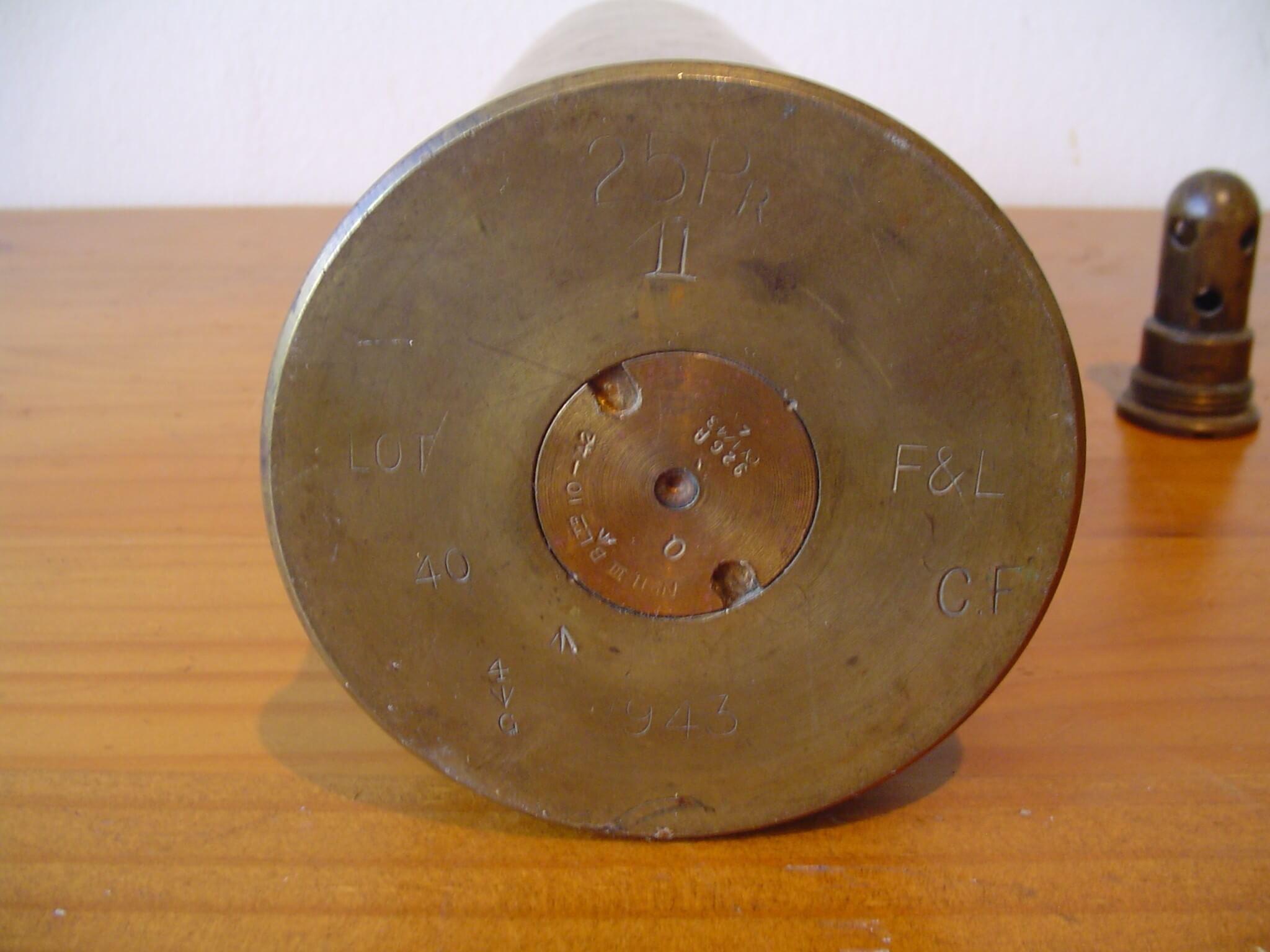 Engelse granaat huls wo2 de tweede wereldoorlog koper koperen