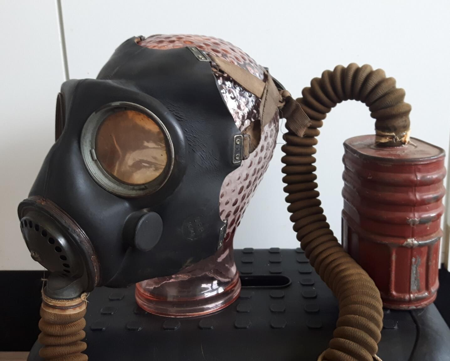 Canadian gasmask no4 mark 3