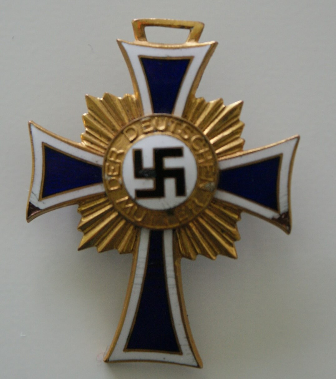 Mutterkreuz in goud